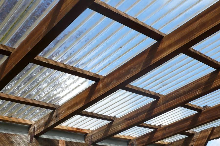 Какое прозрачное покрытие для крыши купить?