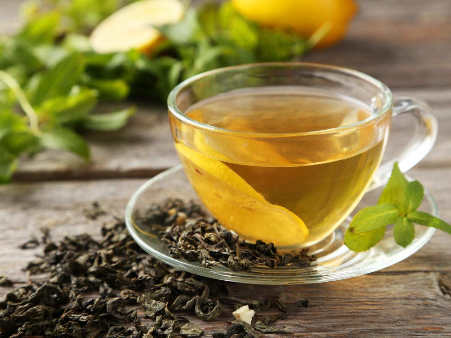 Травяные и фруктовые чаи разрушают зубы, показало исследование