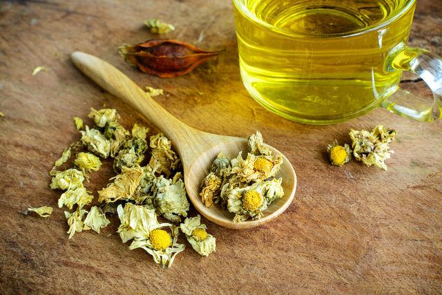 Врачи назвали 8 полезных добавок к чаю