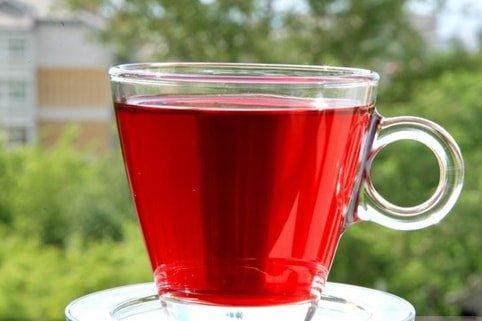 Травяной чай выводит камни из почек