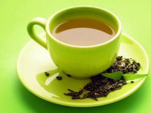 Зеленый чай мешает жиру откладываться на теле — врач