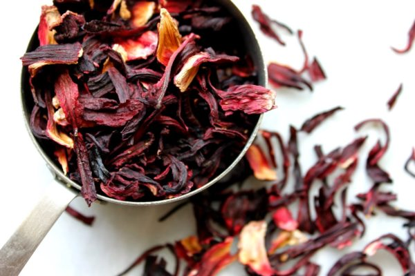 Чай каркаде — помощь в нормализации давления и улучшении работы сосудов