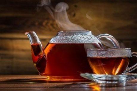 Употребление очень горячего чая на 90% повышает риск развития рака пищевода