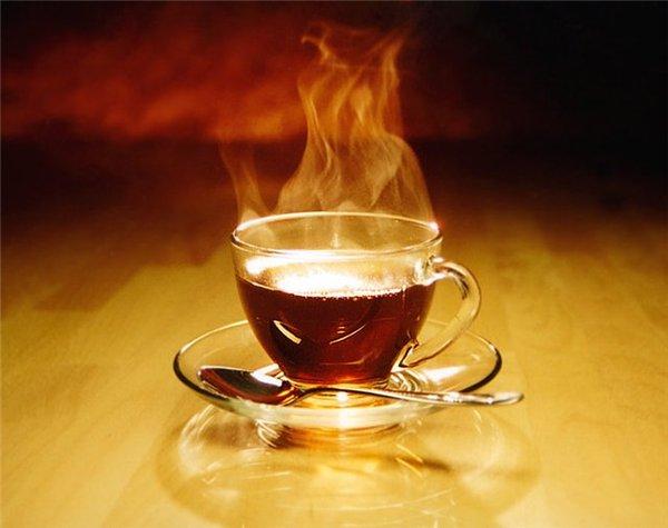 Горячий чай борется с развитием глаукомы