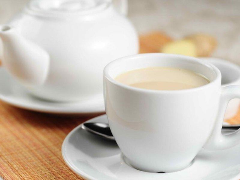 Тошнота два года преследовала женщину из-за чая с молоком по утрам