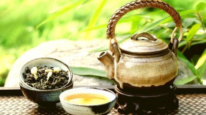 Медики рассказали, кому категорически противопоказан зеленый чай