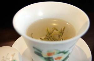 Белый чай способен справиться с лишним весом