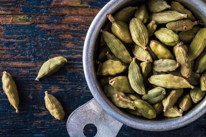 Используется ли кардамон в лечении