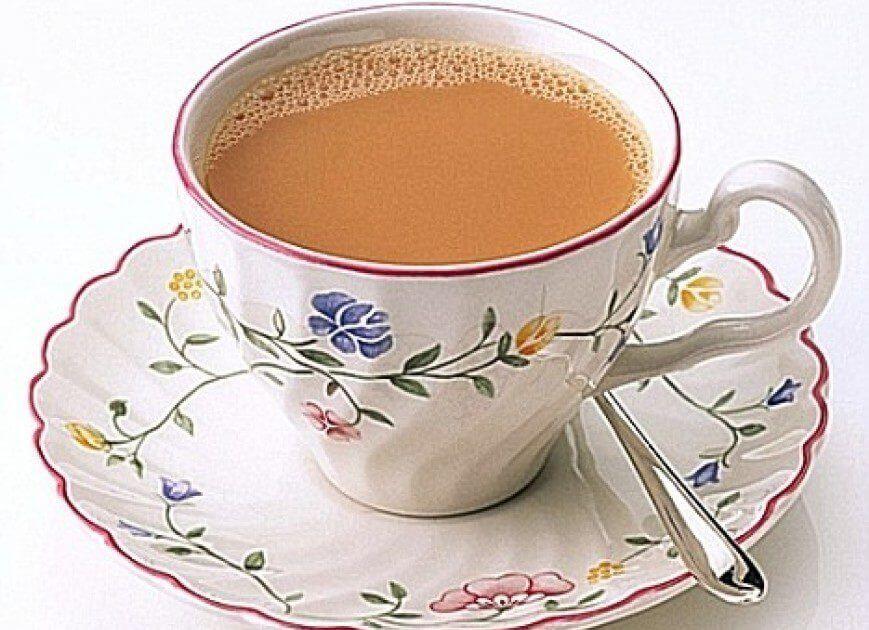 Вреден или полезен чай с молоком