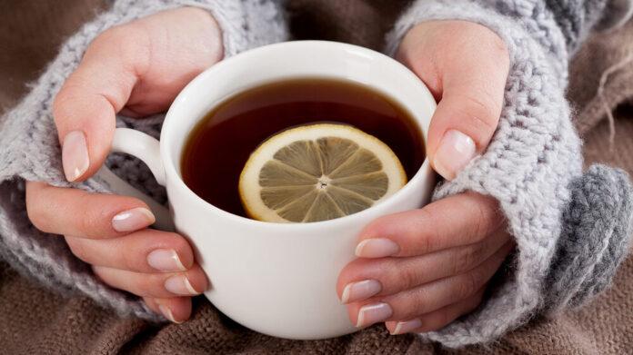 Диетологи рассказали, как правильно пить чай при похудении