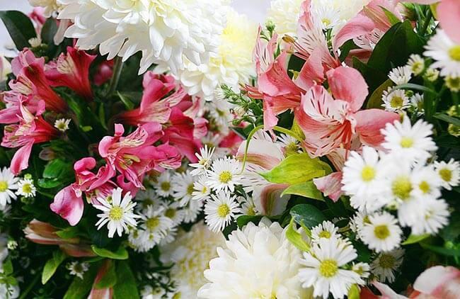 Услуга доставки цветов для свадебной церемонии