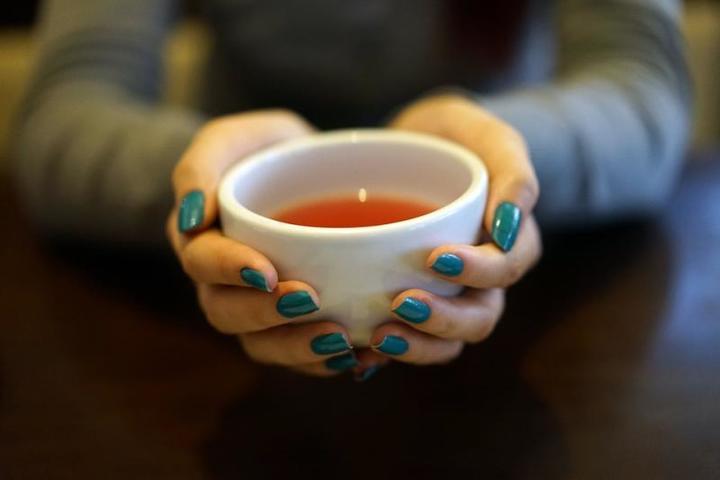 Диетологи рассказали, какой чай нужно пить осенью