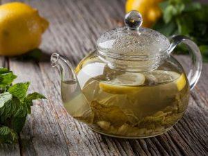 6 лучших чаев, которые улучшают засыпание и борются с бессонницей