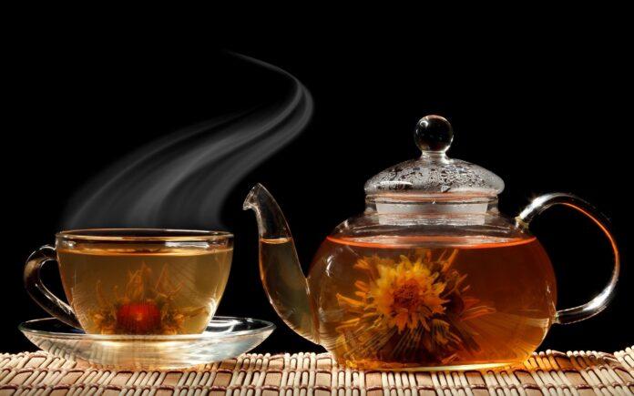 Медики рассказали, помогает ли зеленый чай похудеть