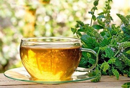 Чай с хурмой, мятой и чабрецом