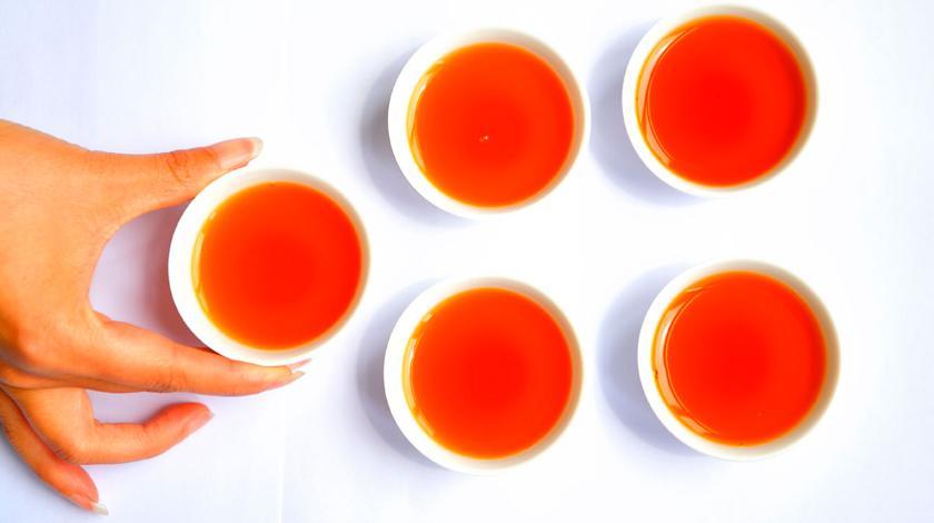 Горячий чай оказался вреден при простуде
