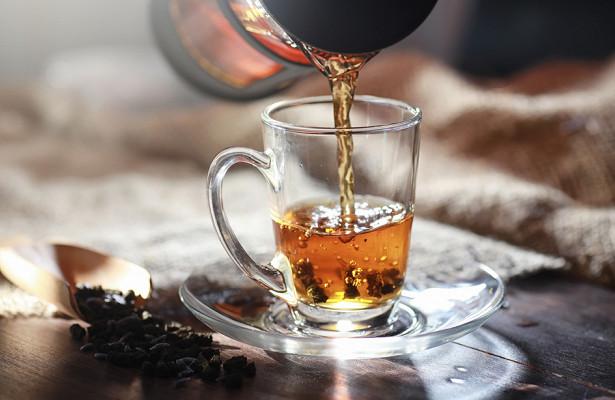 Эксперты рассказали, чем опасен неправильно заваренный чай