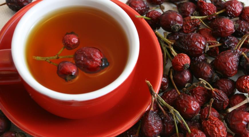 Полезный чай из шиповника: три способа заварки