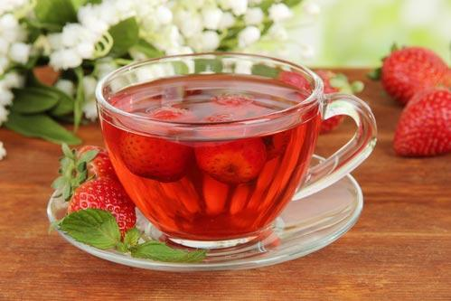 Как приготовить клубничный чай – рецепты для жаркого лета