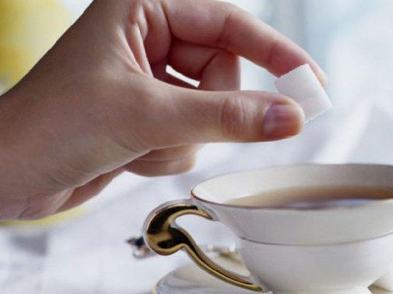 Чай с сахаром доводит до болезни Альцгеймера