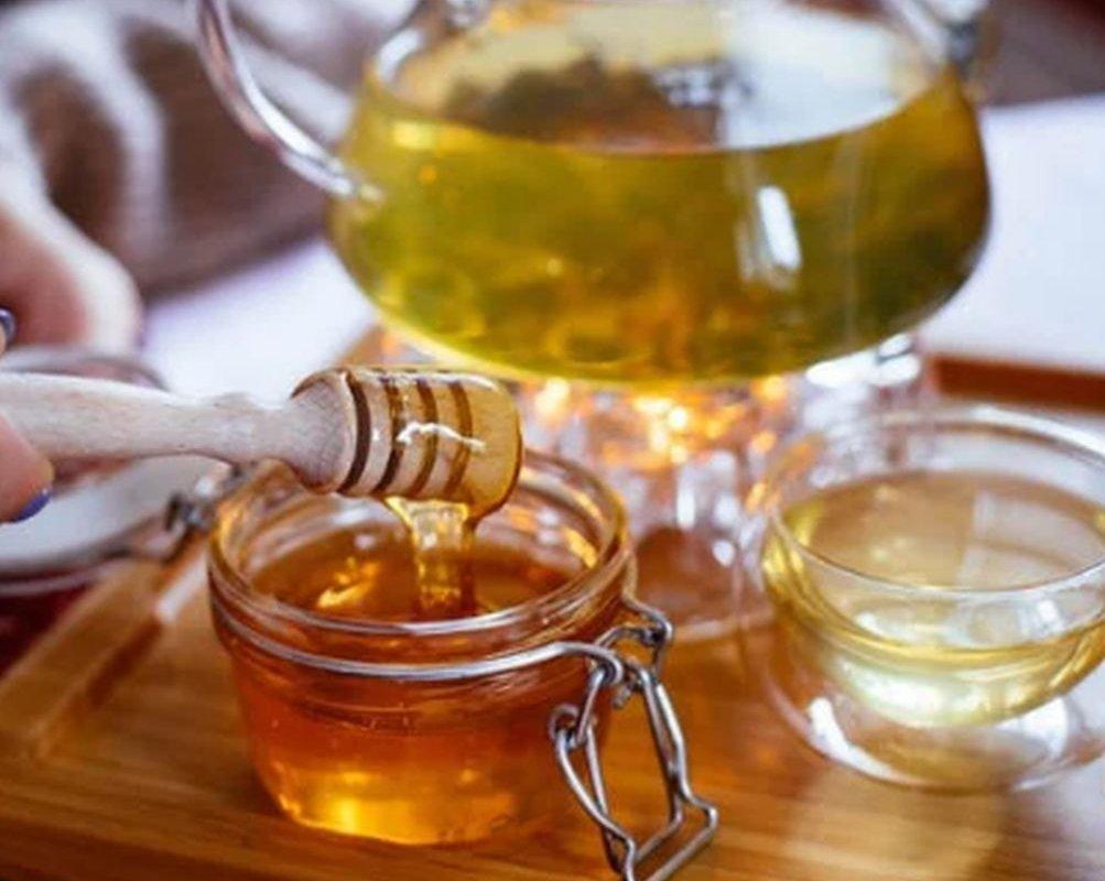 С чем пить чай: несколько ингредиентов, делающих его целебным