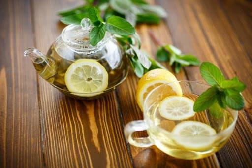 Чем вредны лимон и чай с медом во время простуды