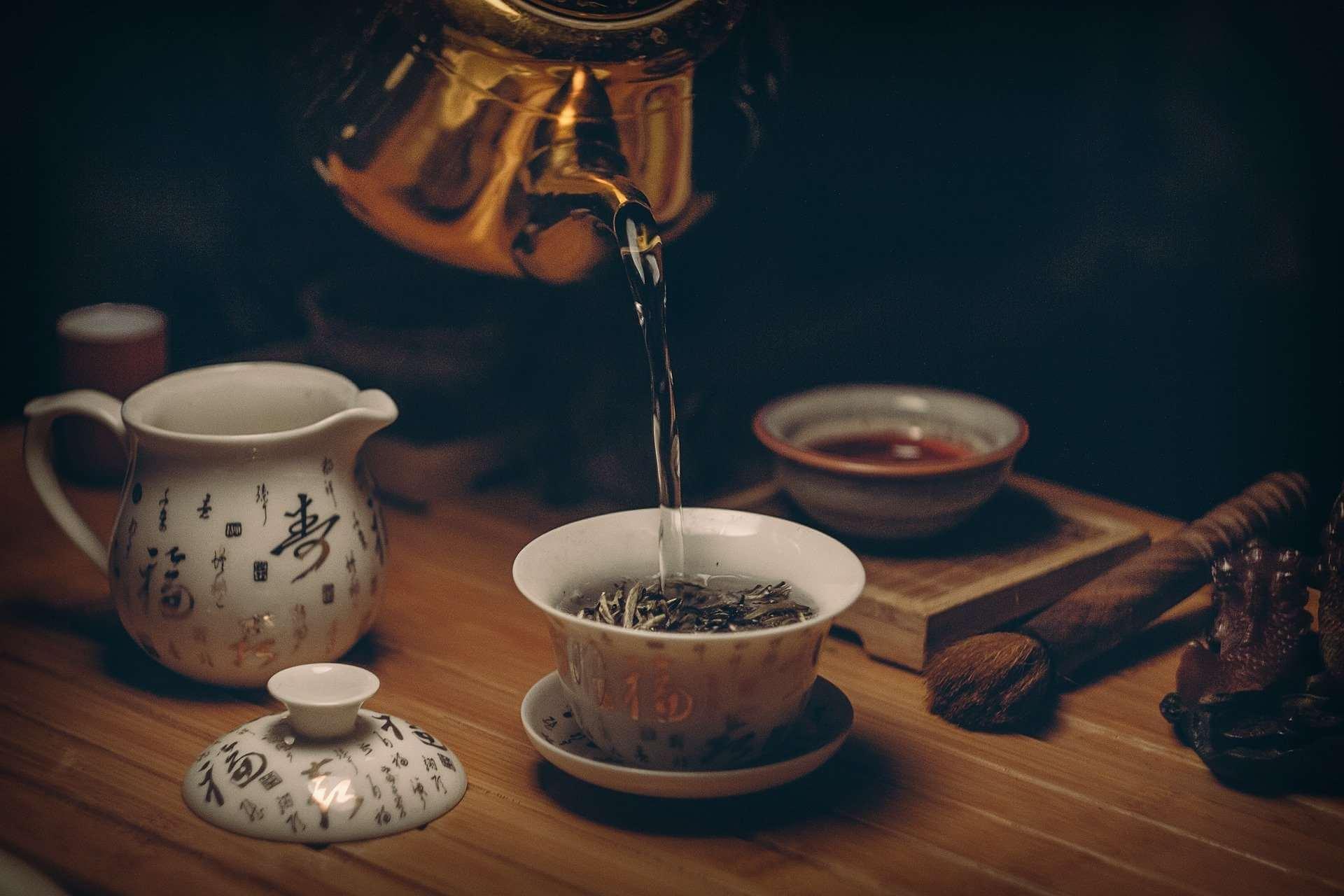 Диетолог рекомендует пить крепкий чай не чаще четырех раз в день