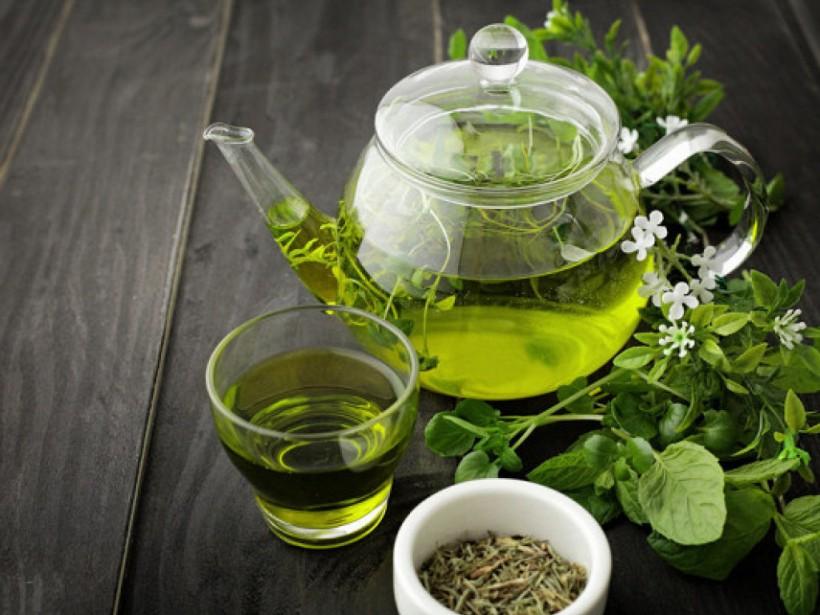 Зеленый чай можно успешно использовать как средство от выпадения волос