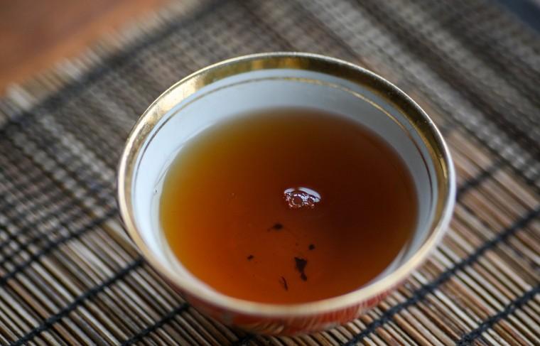 Биологи узнали о способности чая подавлять активность частиц коронавируса