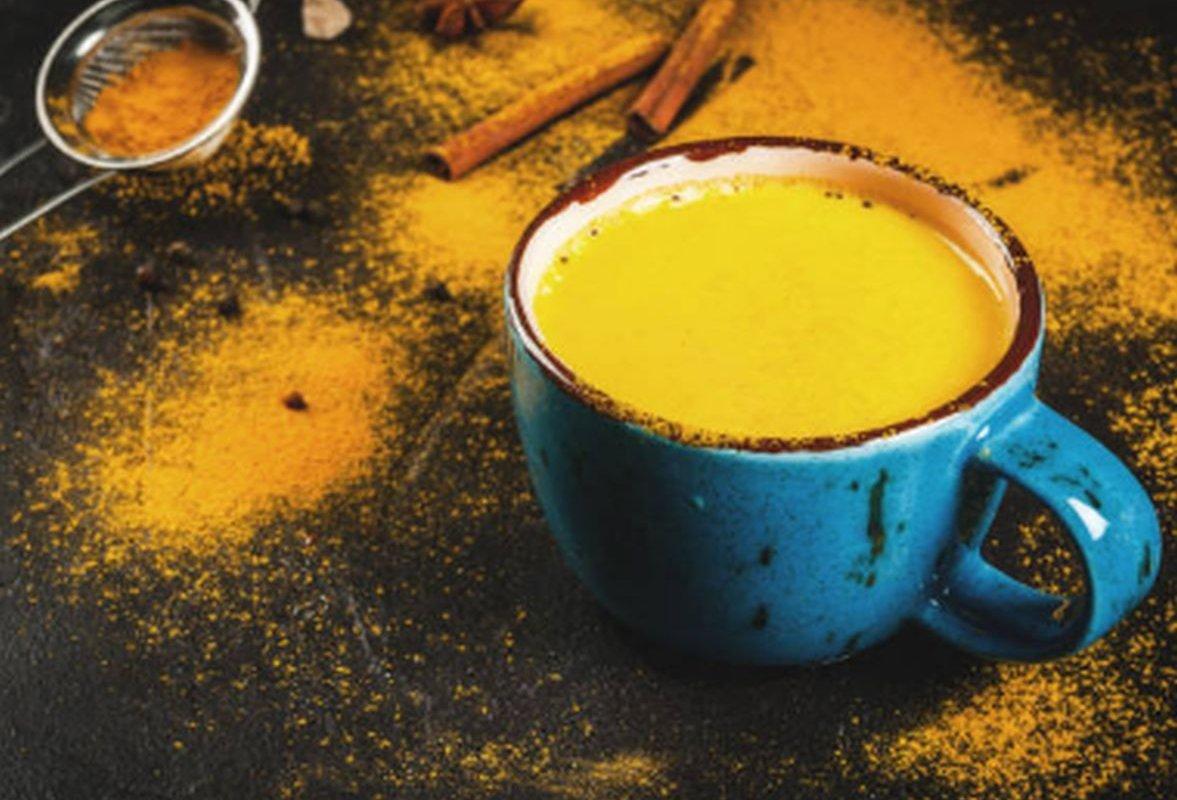 Как жить дольше? Пейте золотое молоко для улучшения функций мозга и сердца