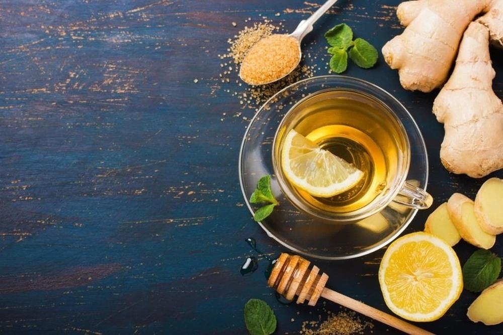 Мед и горячий чай