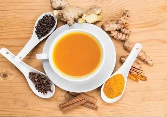 Чай из имбиря и куркумы против камней в почках