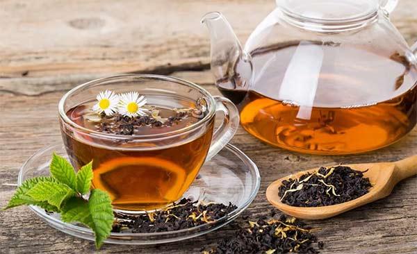 4 эффективных рецепта из чая для красоты волос
