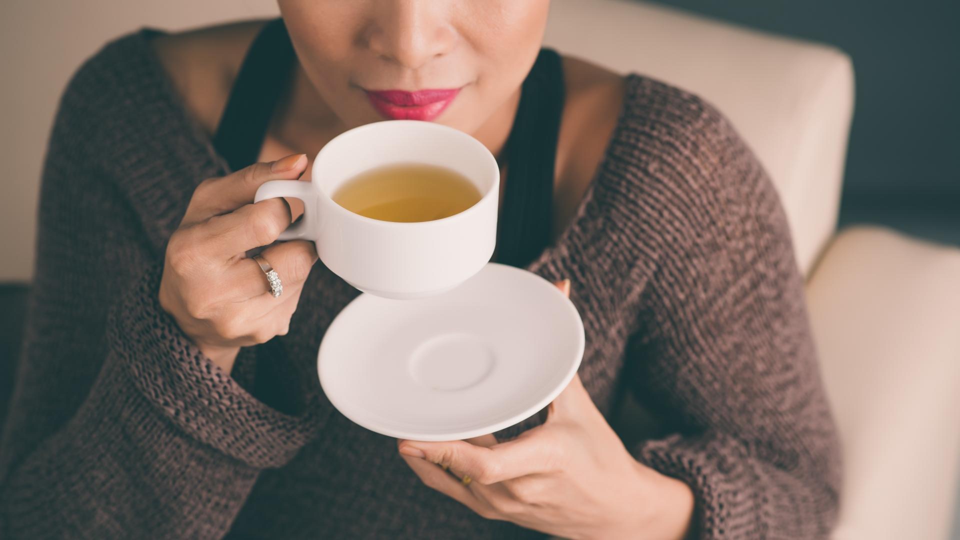 Употребление чая в пакетиках связали с риском онкологии