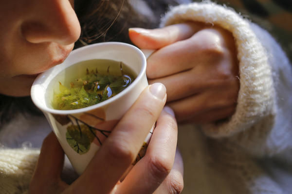 При ожирении поможет травяной чай