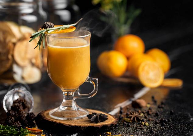 Чай по-югославски – ароматный напиток с вином и цитрусом
