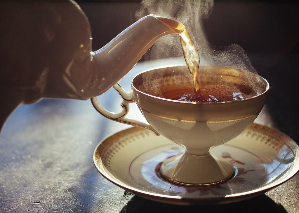Медики выяснили, как правильно пить чай, чтобы не навредить здоровью
