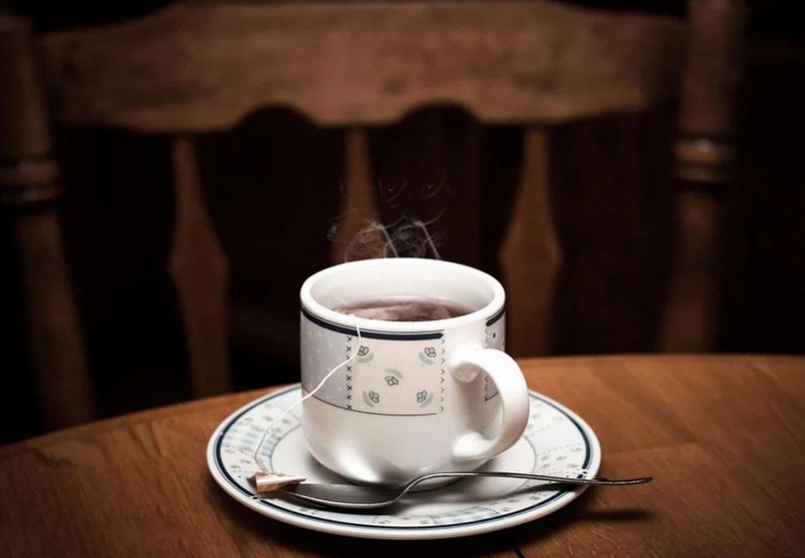 В каких случаях опасен горячий чай и другие горячие напитки?