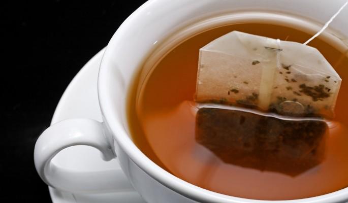 Дешевый чай содержит больше фтора