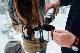 Почему нельзя пить горячий чай перед выходом на мороз: мнение врачей