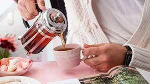 Почему черный чай красит кружку и нужно ли этого бояться?