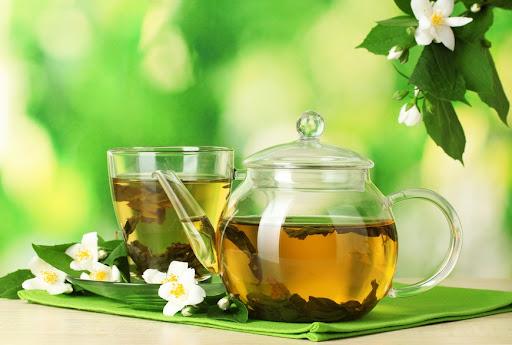Зеленый чай и солнце: чем полезно такое сочетание?
