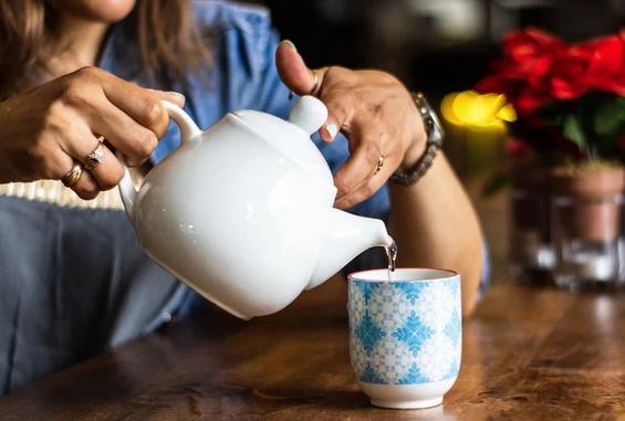 Может ли чай вызвать обезвоживание?