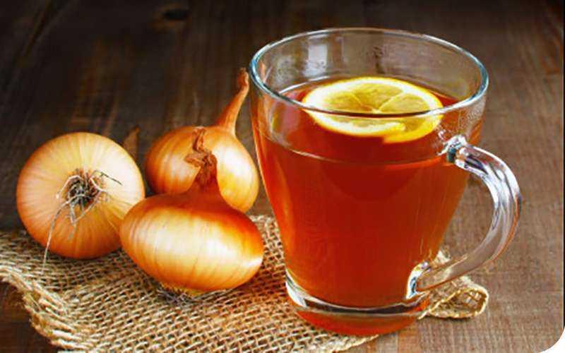 Почему стоит начать ежедневно пить луковый чай?