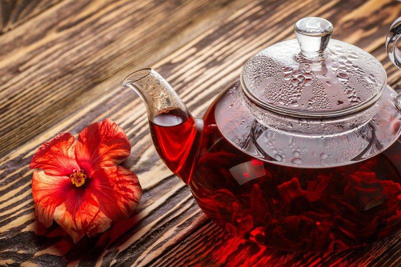 Чай каркаде колд брю со сливой и пряностями