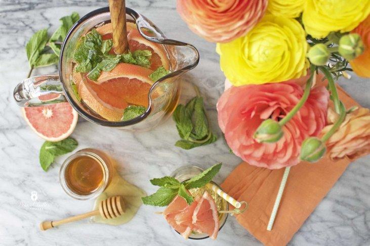 Зеленый чай с грейпфрутом и мятой