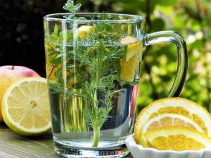 6 аптечных чаев, которые не стоит пить без назначения врача